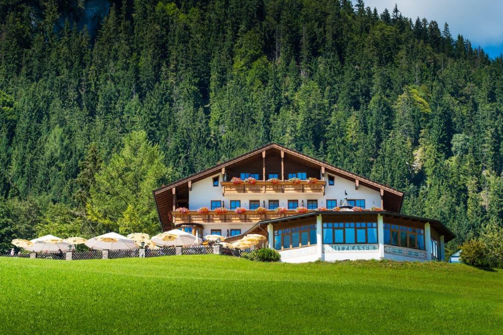 Aussenansicht von unserem Hotel Gasthof Nutzkaser mit Panoramaterrasse und Restaurant