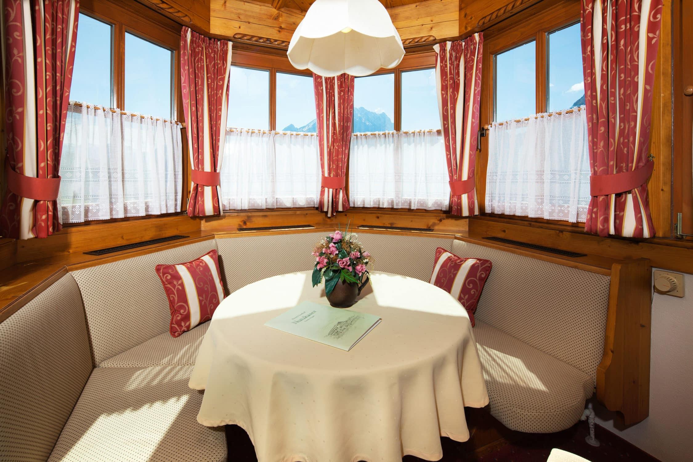 Zimmerbeispiel Hotel Gasthof Nutzkaser