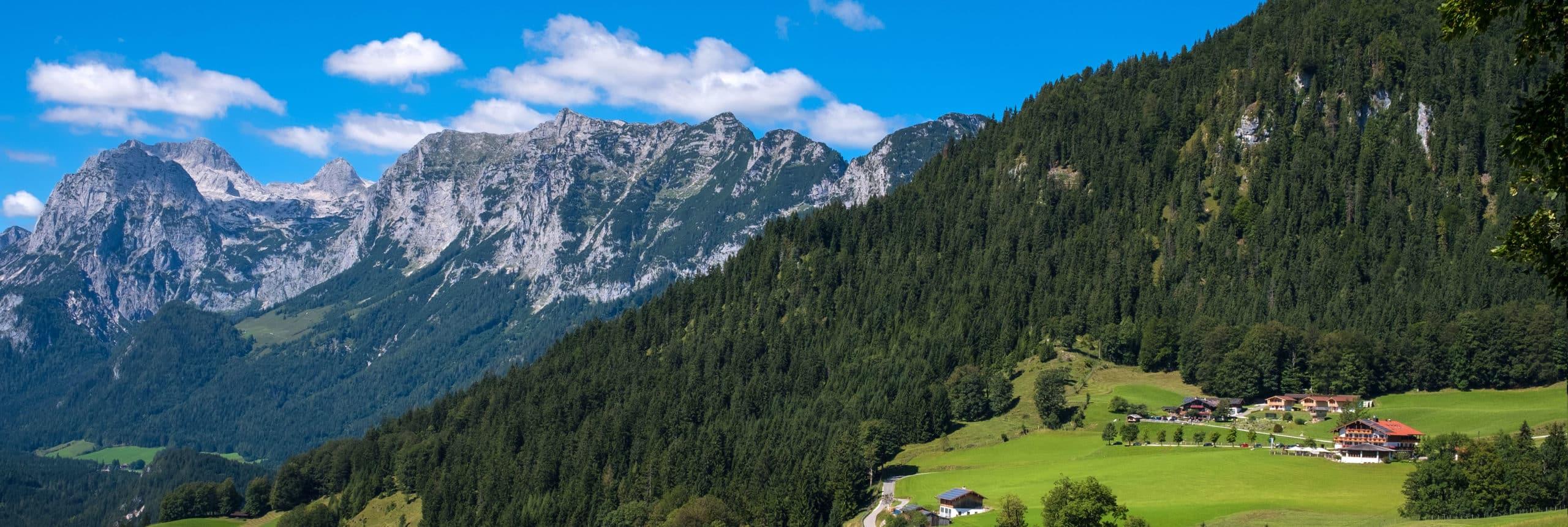 Panoramaansicht Hotel Gasthof Nutzkaser - Im Hintergrund Reiter Alpe