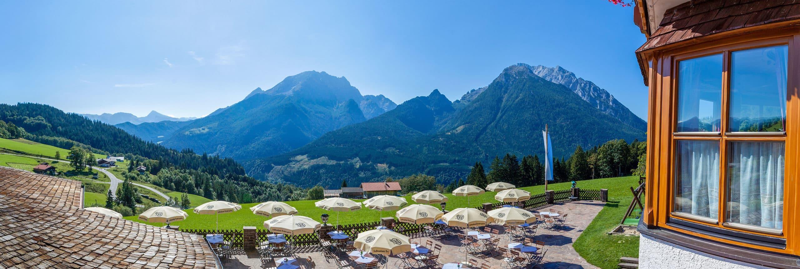 Panoramaausicht Hotel Gasthof Nutzkaser inmitten der Berchtesgadener Alpen