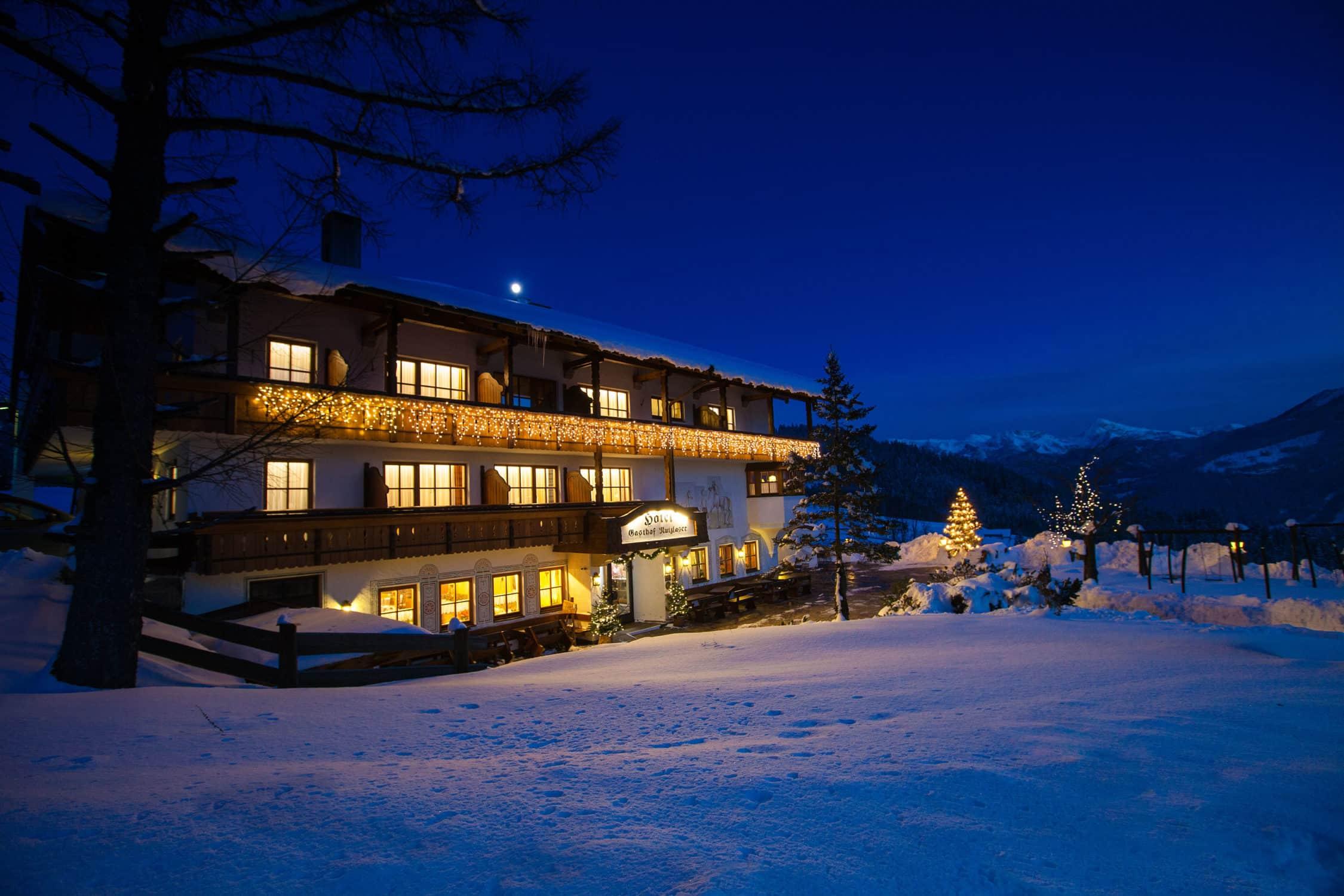 Winteransicht vom Hotel Gasthof Nutzkaser im Bergsteigerdorf Ramsau